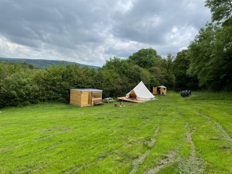 bell-tent-field-01-800